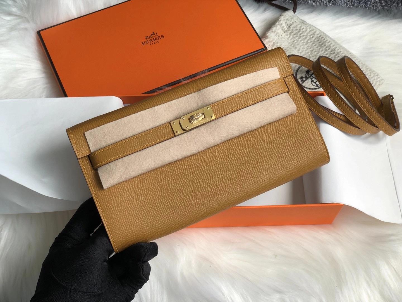 香港沙田區大圍 Hermes Kelly Classique To Go wallet 2S Seasme 芝麻色