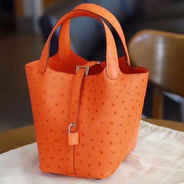愛馬仕菜籃子年份刻印在哪 Hermes Picotin Lock 18 Ostrich 93 Orange