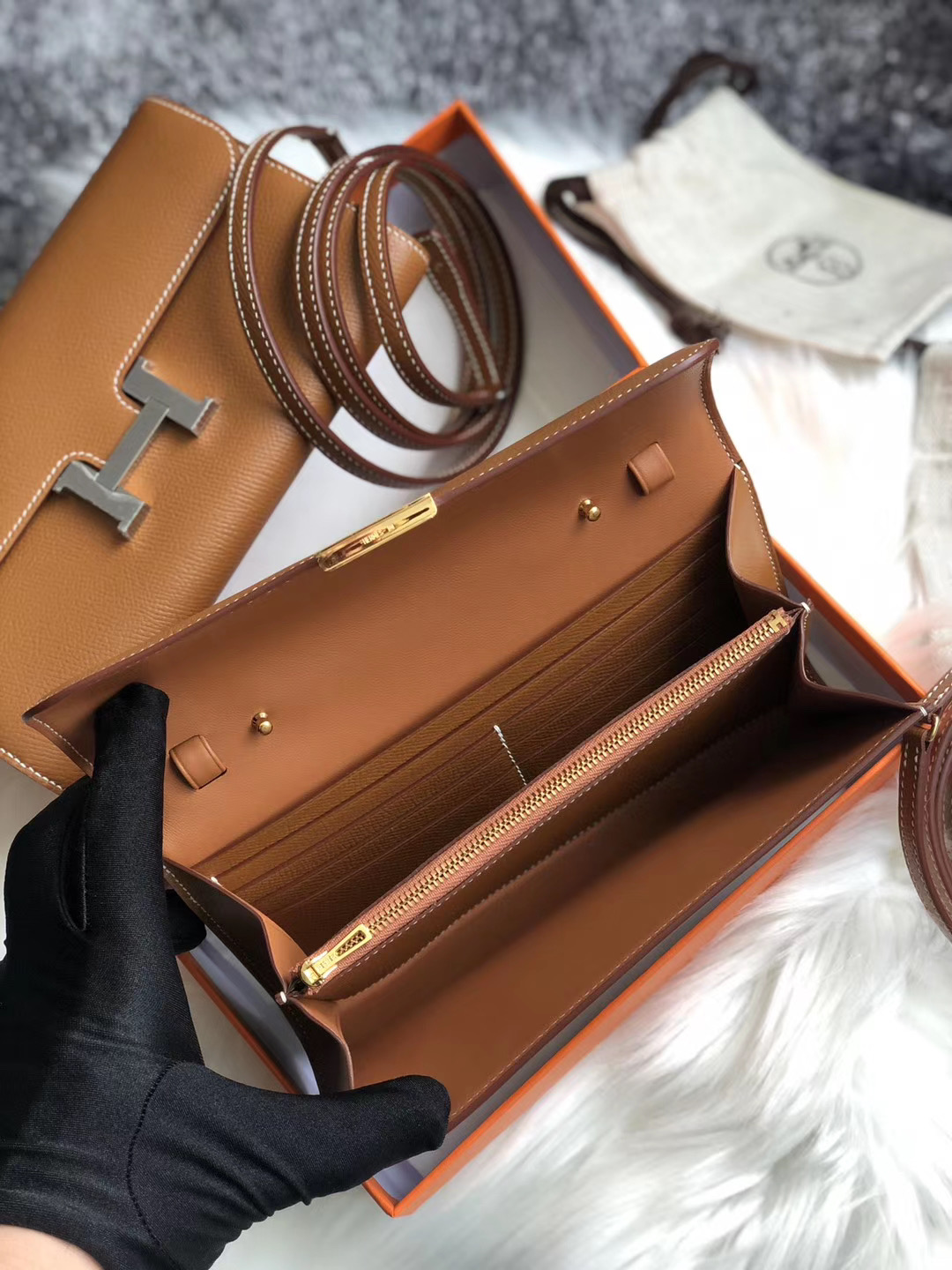 Taiwan Hermes Constance long wallet to go WOC Epsom CK37 Gold 金棕色