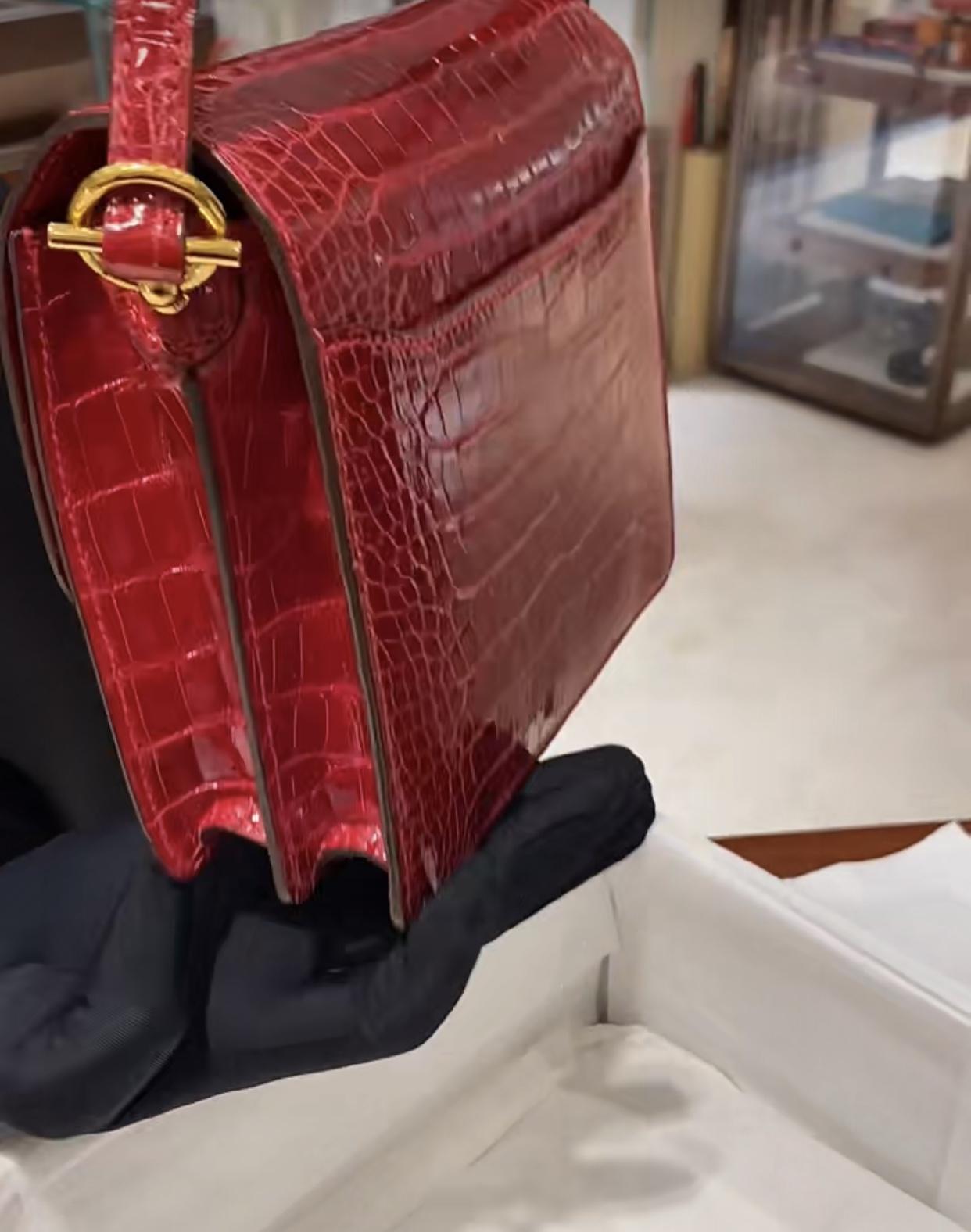 Hong Kong Hermes Roulis MINI Q5 Rose casaque 國旗紅 金扣 亮面 方塊 美洲鱷魚